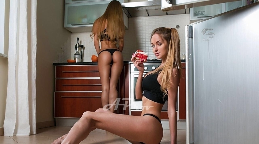 London bisexual duo girls for threesomes, parties, high end couples in Kensington SW8