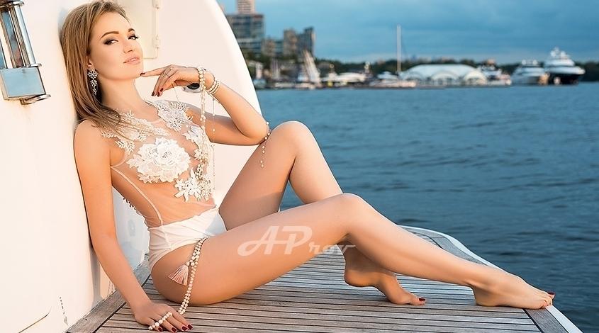 London Mayfair Role Play Expensive Russian Escort Veronika - Aprov London Agency